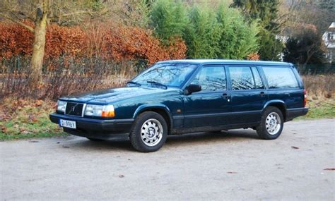 how to learn about cars 1993 volvo 940 user handbook service manual how to change a 1993 volvo 940 rear wheel bearing file 1990 1993 volvo 940 gl