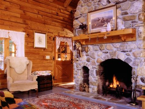 Cabins With Fireplaces by Cabin Fireplace Cabin Large And Small