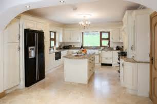 Cream Painted Kitchen Cabinets by Cream Painted Traditional Kitchen Cabinets Other