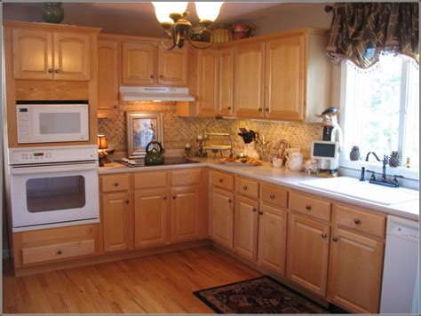 kitchen cabinets des moines woodharbor cabinets des moines cabinets matttroy