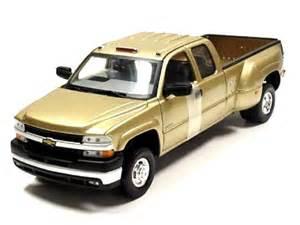 2000 chevy silverado 3500 dually gold (anson) 1/18