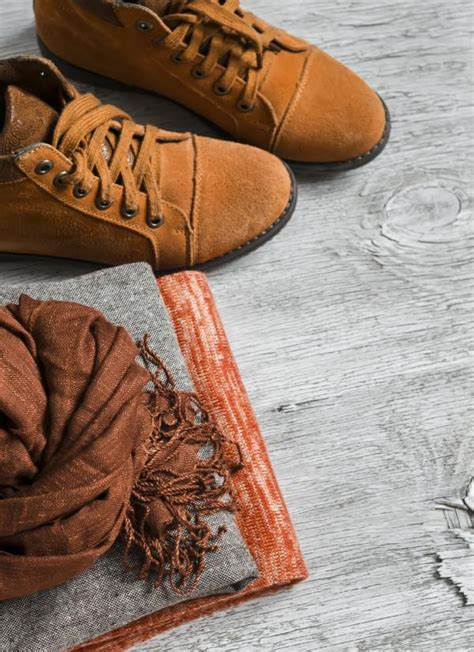 Staining A Leather by How To Remove Stains From Leather Shoes 7 Steps