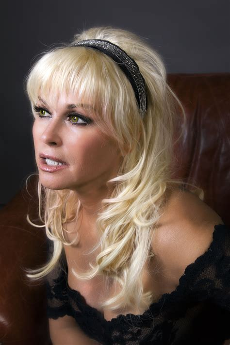lorrie morgan letting go slow includes interview