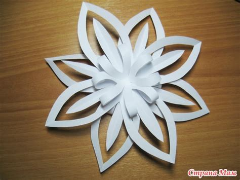 Snowflake Paper Craft - craft ideas paper snowflake flower tutorial