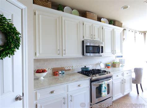 white kitchen creamy
