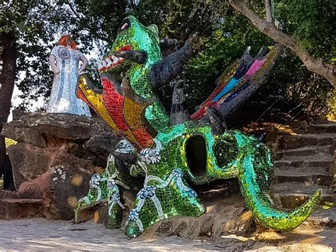 il giardino dei tarocchi come arrivare visitare il giardino dei tarocchi di niki de phalle