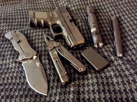 edc carry gear 555 best images about edc stuff on