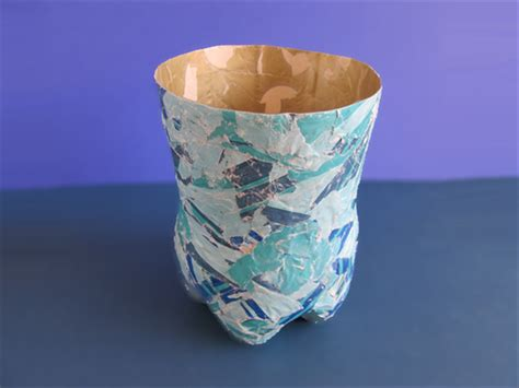 How To Make Vase From Bottle by How To Make A Pretty Vase From A Plastic Bottle