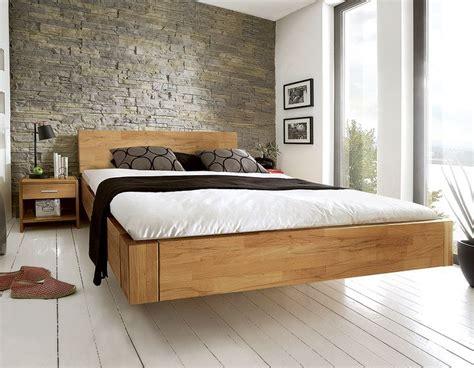 auf welcher matratze schlã ft am besten die besten 25 rustikale schlafzimmerm 246 bel ideen auf