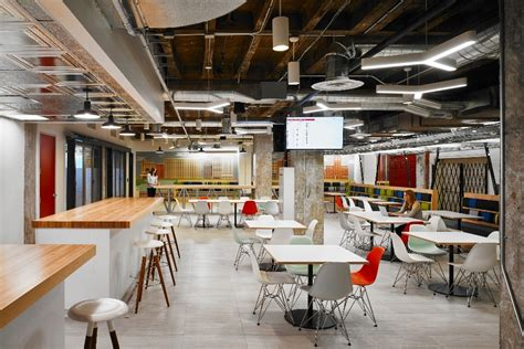 take a look at yelp s new office in chicago officelovin