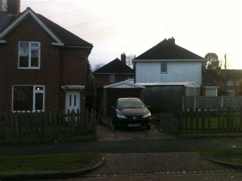 Rent A Garage Birmingham by Birmingham 3 Bed Semi Detached House South Roundhay