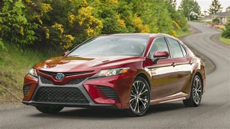 2019 Toyota Camry Se Hybrid by 2018 Toyota Camry Xle V6 Test Drive Review And Road Test