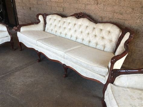 victorian sofa reproduction reproduction victorian sofa farmersagentartruiz com
