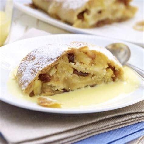 kuchen mit vanillesoße 220 ber 1 000 ideen zu vanilleso 223 e auf