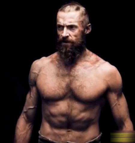 《悲惨世界》新宣传照 休 杰克曼裸身秀肌肉_影音娱乐_新浪网