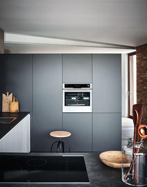 cesar arredamenti lacquered melamine fitted kitchen with peninsula maxima 2