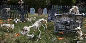 Halloween Decorations Graveyard Alfa Img Showing Gt Tombstone Graveyard Halloween Decorations