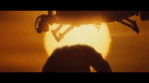 kong: skull island reveals the first look at the new king kong