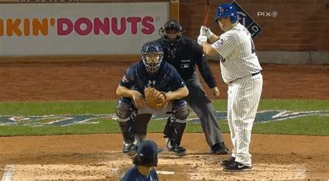 bartolo colon swing new york mets pitcher bartolo colon loses helmet while