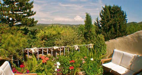 Un Patio En Luberon un patio en luberon maison d h 244 tes de charme ansouis
