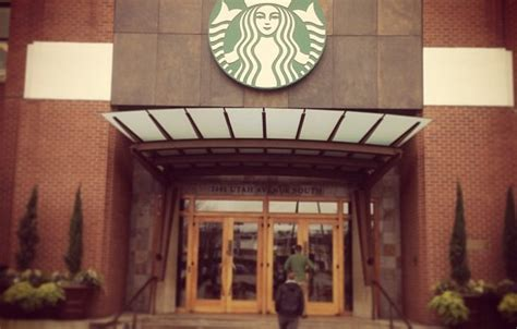 Mba In A Starbucks by Starbucks Wows Students In Seattle Uo Business Blogs