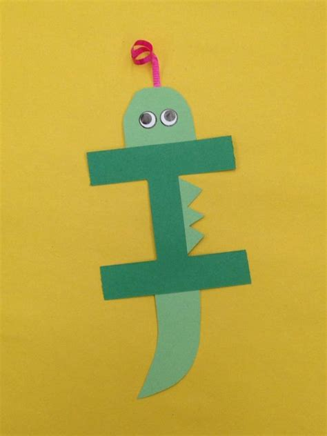 craft activity for i is for iguana letter craft letters
