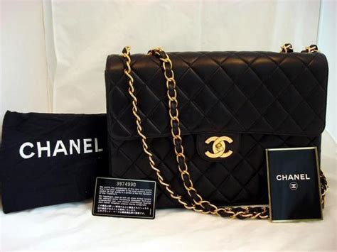 Tas Wanita Chanel Doctor Bag she introduced chanel no 5 invented the black dress name is coco chanel