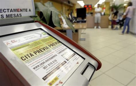oficina de empleo valladolid empleo reducir 225 la prestaci 243 n de los que est 233 n en paro m 225 s