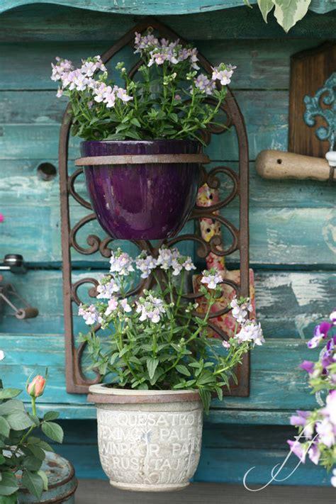 shabby chic giardino come riutilizzare vecchi pallets shabby chic in giardino