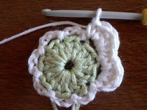crochet flower pattern easy tutorial pin by sue rolison on crochet blumen pinterest