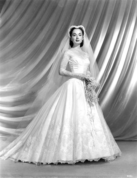 Itty-bitty Ann Blyth in 2019   Vintage wedding photos, Vintage wedding photography, Wedding attire