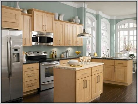 Honey Oak Kitchen Cabinets Wall Color by Oak Cabinets Wall Colours And Paint Colors On Pinterest
