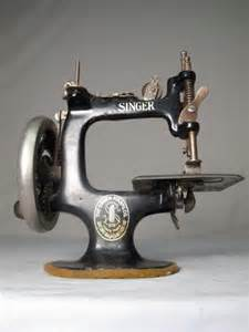 miniature singer sewing machine 301 moved permanently