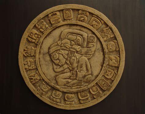 imagenes de monedas mayas calendario maya en arenisca william gallego ospina
