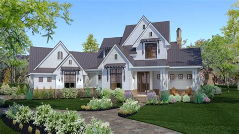 35 unique farmhouse plans with porches