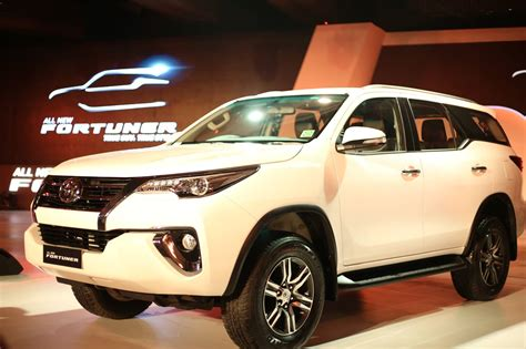 Toyota Fortuner Price In India All New Toyota Fortuner Launched In India Price Start 25