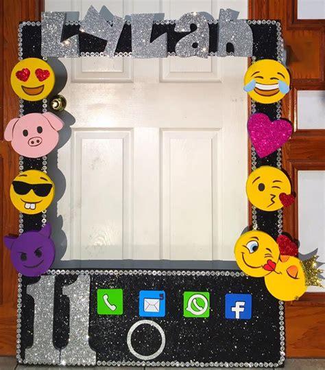 christmas emoji photoframe emoji themed frame food drink that i emoji birthdays and emojis