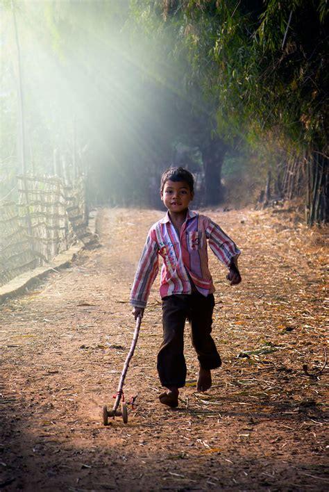fotos o imagenes de niños jugando 35 fotos m 225 gicas de ni 241 os jugando alrededor del mundo