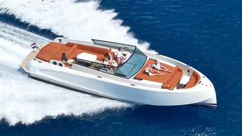 small boat on yacht 14 small luxury yachts for a stylish getaway on