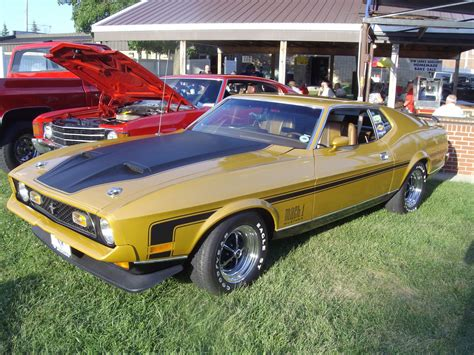 plymouth report mitten state sports report weekly car show in plymouth