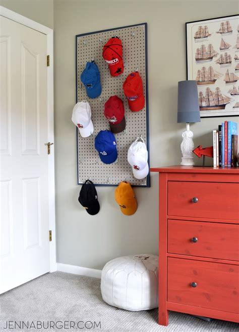 diy home organisation ideen 220 ber 1 000 ideen zu baseball cap rack auf