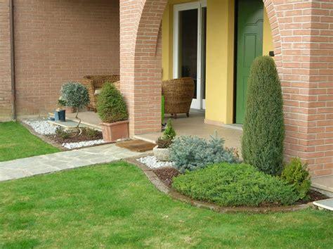 aiuole giardino con sassi risultati immagini per giardini con aiuole e sassi