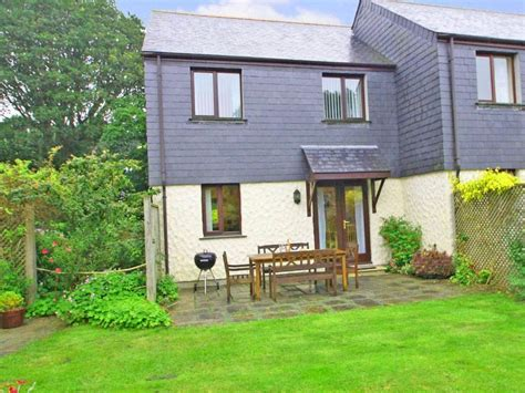 Summer Cottage In Falmouth This Modern House Close To Falmouth Cottages