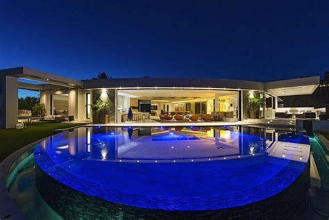 huis 70 miljoen bedenker van minecraft koopt een huis van 70 miljoen