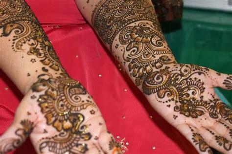 mehndi designs girls mayoon frills