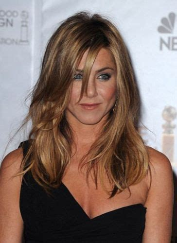 jennifer aniston side bangs 51 jennifer aniston hair long blonde highlighted bob