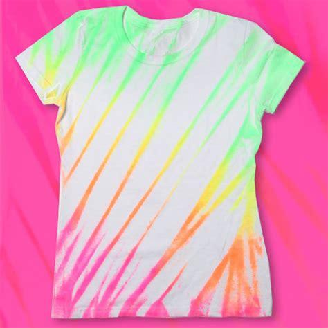 how to design a shirt using paint ilovetocreate blog neon fabric spray paint shirt diy