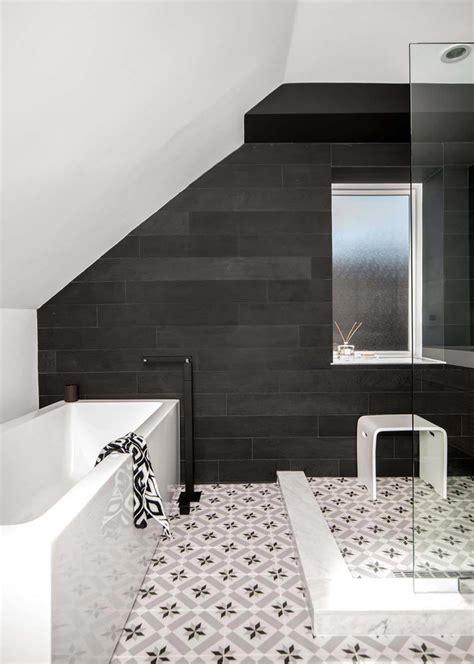 canapé noir et blanc design carrelage design 224 l inspiration g 233 om 233 trique pour la salle