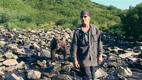 Timothy Treadwell Recording Reeling The Review Show S Review Of Grizzly