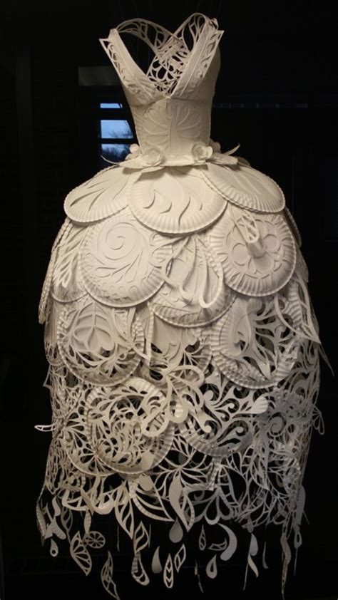 Make A Dress Out Of Paper - best 25 paper dresses ideas on paper fashion